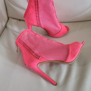 Cape Robbin Neon pink 💗  open toe booties